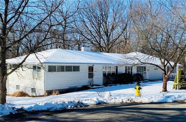 4914 N Central Street Property Photo - Gladstone, MO real estate listing