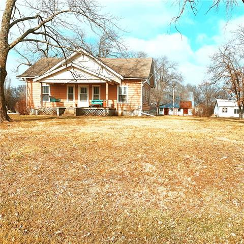 14832 E 800 Road Property Photo - Mound City, KS real estate listing