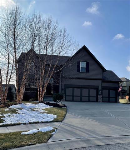 9704 N Oxford Court Property Photo - Kansas City, MO real estate listing