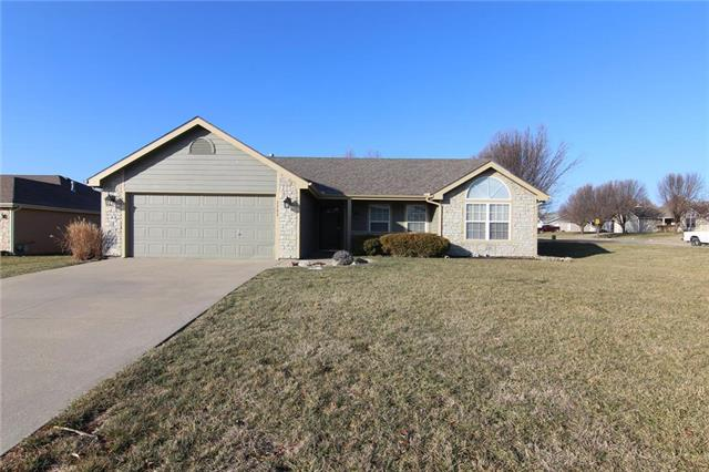 2703 Shadow Ridge Court Property Photo - Eudora, KS real estate listing