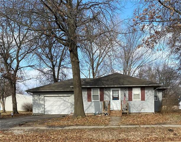 510 E 1st Street Property Photo - Adrian, MO real estate listing