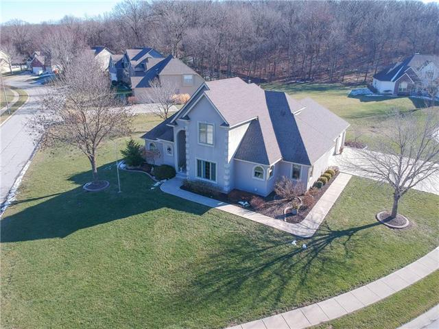 3205 S Fallbrook Court Property Photo - Blue Springs, MO real estate listing