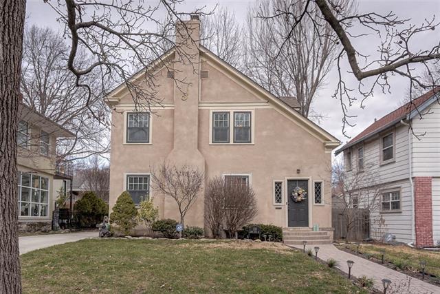 118 W 67TH Street Property Photo - Kansas City, MO real estate listing