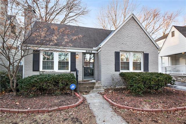 6656 Kenwood Street Property Photo - Kansas City, MO real estate listing