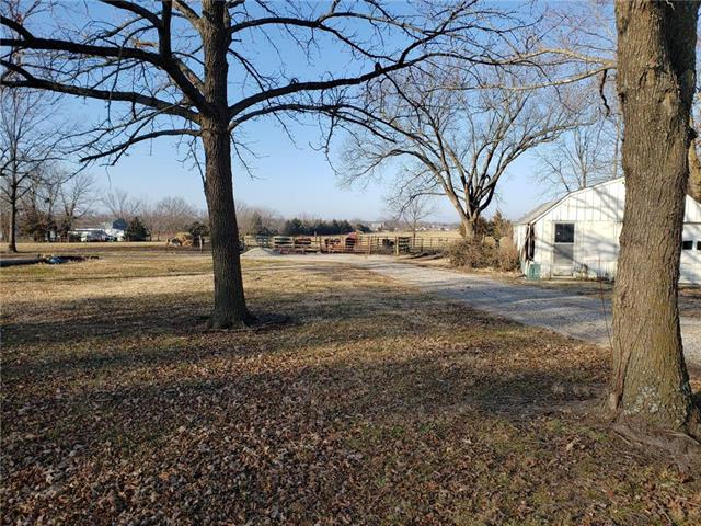 A Highway Property Photo - Hume, MO real estate listing