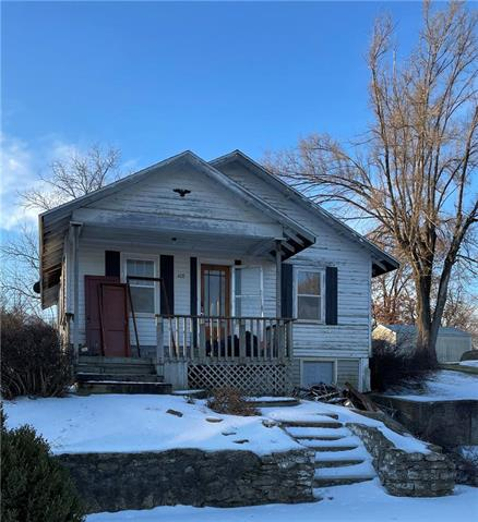 408 W Grand Street Property Photo - Gallatin, MO real estate listing