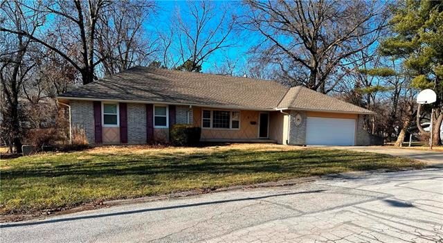 518 Brown Circle Drive Property Photo - Osawatomie, KS real estate listing