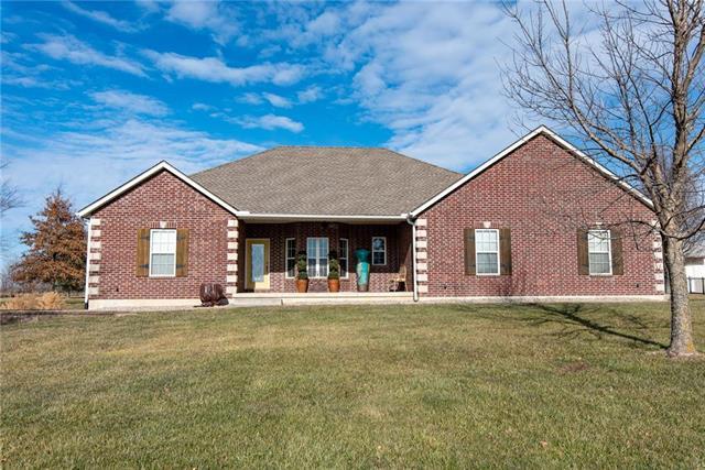 34704 E Hendricks Road Property Photo - Lone Jack, MO real estate listing