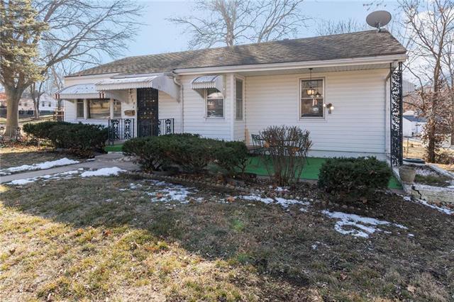 2309 NE 53rd Street Property Photo - Kansas City, MO real estate listing