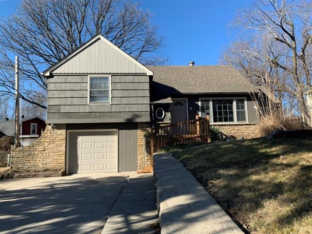 2624 S Sante Fe Road Property Photo - Independence, MO real estate listing