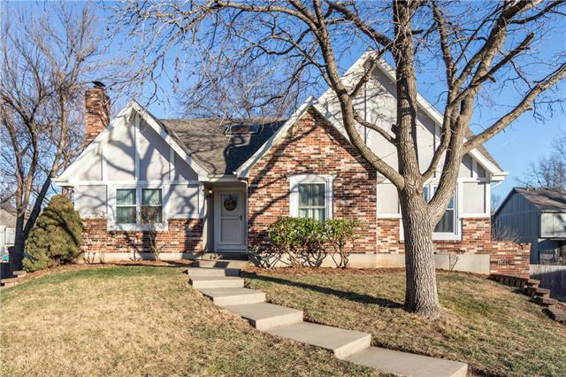 6509 Long Court Property Photo - Shawnee, KS real estate listing