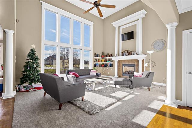 5207 W 166th Terrace Property Photo