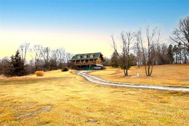 31383 US 136 Highway Property Photo - Maryville, MO real estate listing