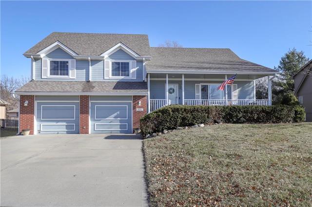 9801 N Hedges Avenue Property Photo - Kansas City, MO real estate listing