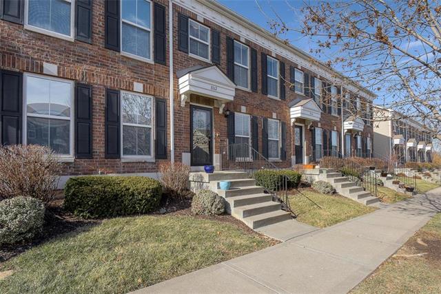 8162 N Oakley Avenue Property Photo