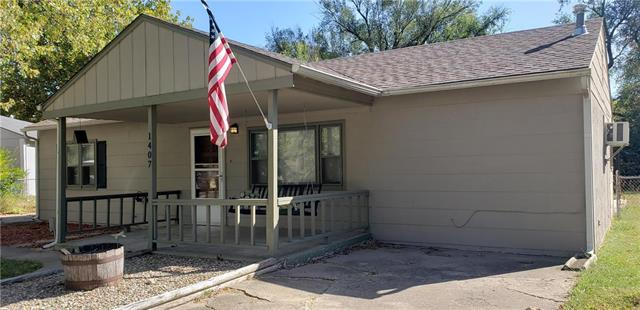 1407 SW Celtic Street Property Photo - Topeka, KS real estate listing