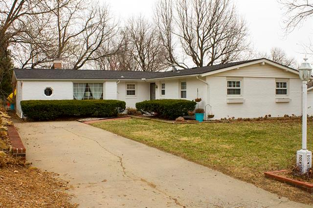 1704 Linden Lane Property Photo - Atchison, KS real estate listing
