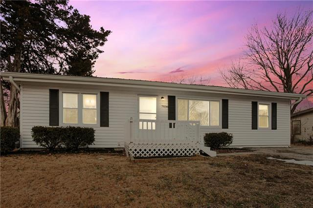 7036 N Harrison Street Property Photo - Gladstone, MO real estate listing