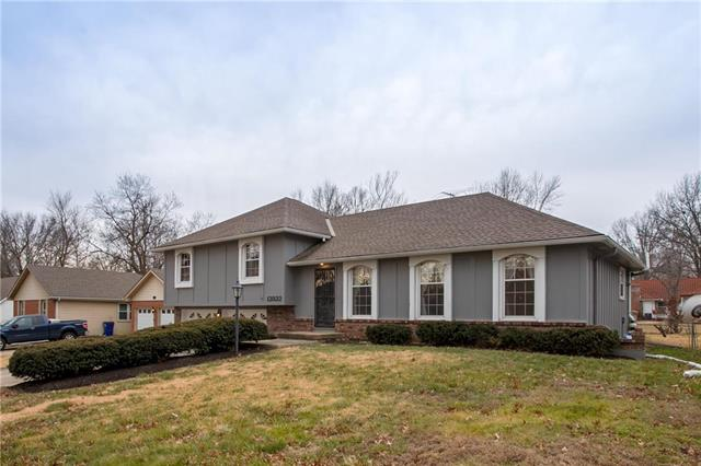 12822 Smalley Avenue Property Photo - Grandview, MO real estate listing