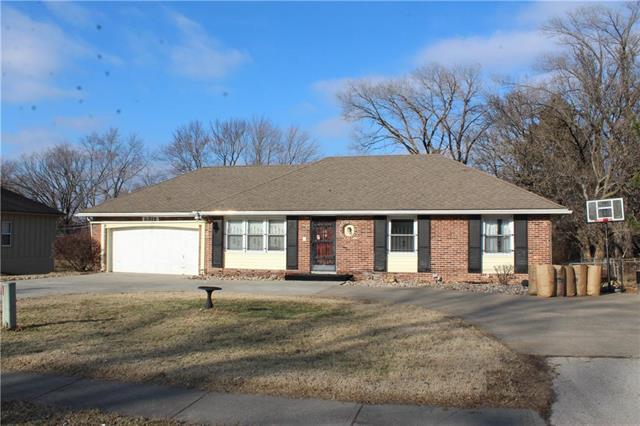 8312 Sni A Bar Road Property Photo - Kansas City, MO real estate listing