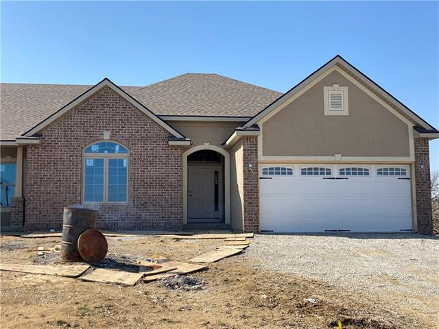4710 W Stonebridge Drive Property Photo - St Joseph, MO real estate listing