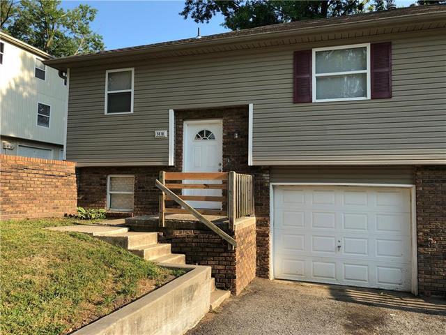 5010 N Topping Avenue Property Photo - Kansas City, MO real estate listing