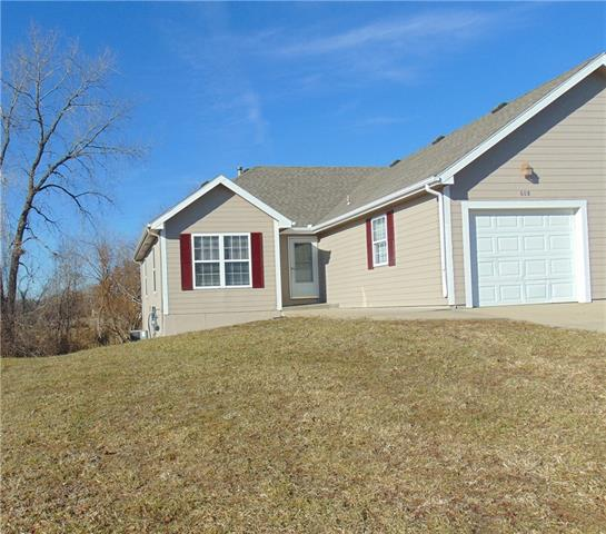 608 Morningview Drive Property Photo - Harrisonville, MO real estate listing
