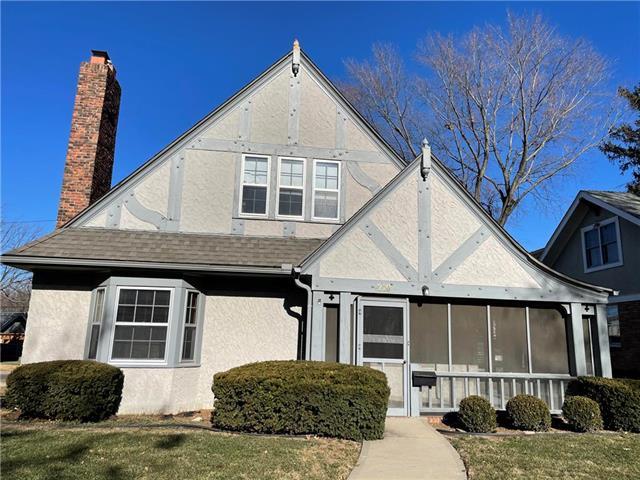 210 E 67th Street Property Photo - Kansas City, MO real estate listing