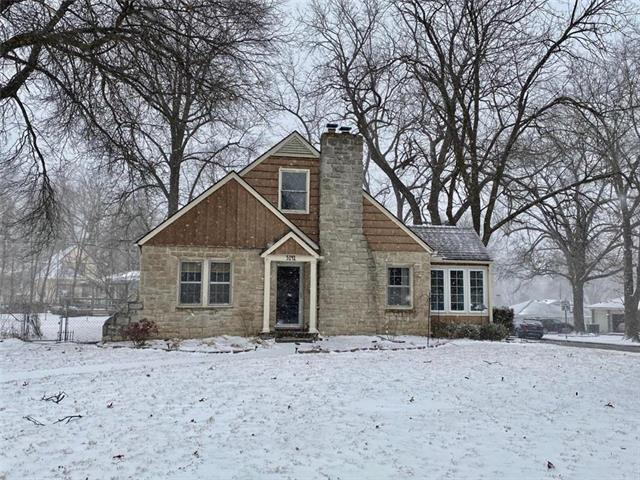5141 Parish Drive Property Photo - Roeland Park, KS real estate listing