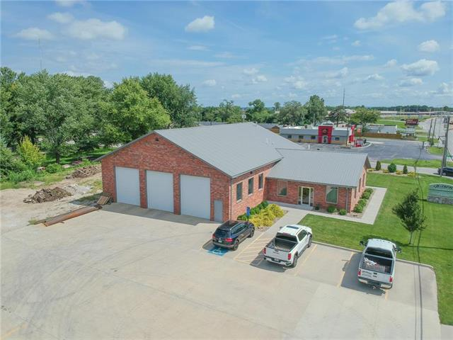 15820 E US 24 Highway Property Photo - Independence, MO real estate listing