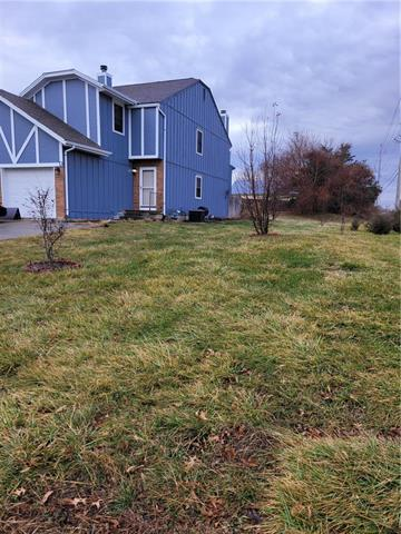 700 Cedar Drive #D Property Photo - Warrensburg, MO real estate listing