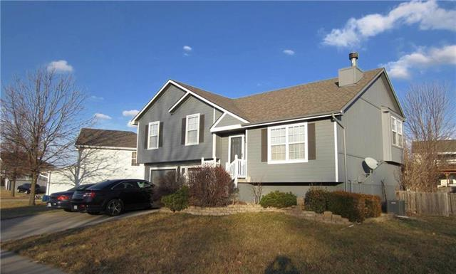 1813 Kathleen Way Property Photo - Kearney, MO real estate listing