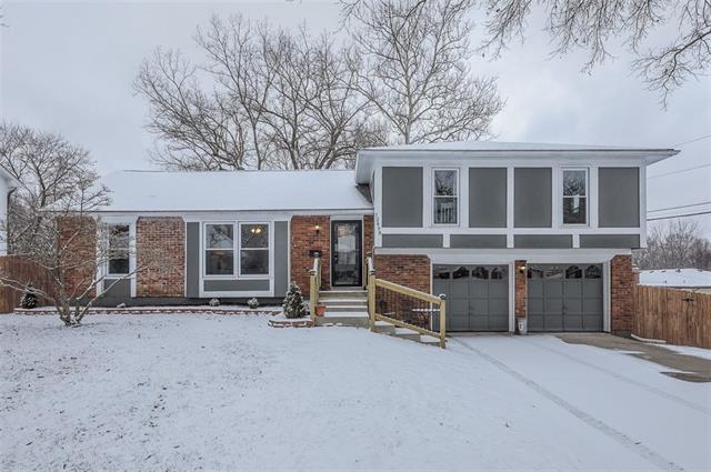 12819 Cambridge Avenue Property Photo - Grandview, MO real estate listing