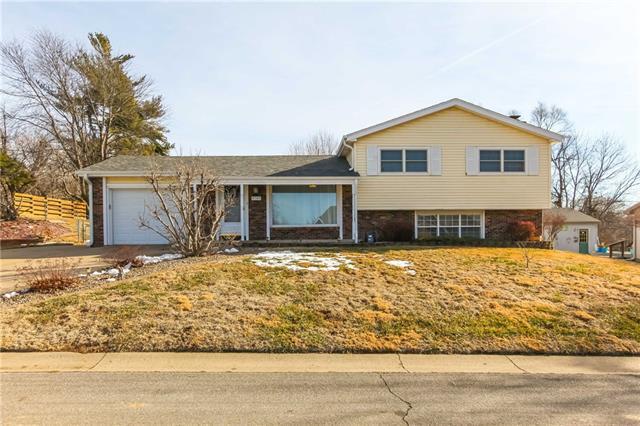 5705 S 16th Street Property Photo - St Joseph, MO real estate listing