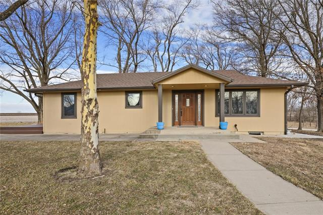 25048 Indianapolis Road Property Photo - Wellsville, KS real estate listing