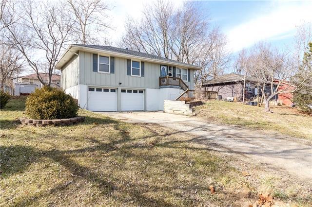 124 NE 991 Road Property Photo - Knob Noster, MO real estate listing