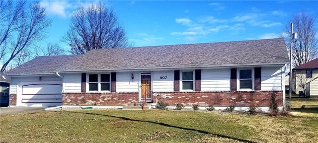 807 N Halsey Avenue Property Photo - Harrisonville, MO real estate listing