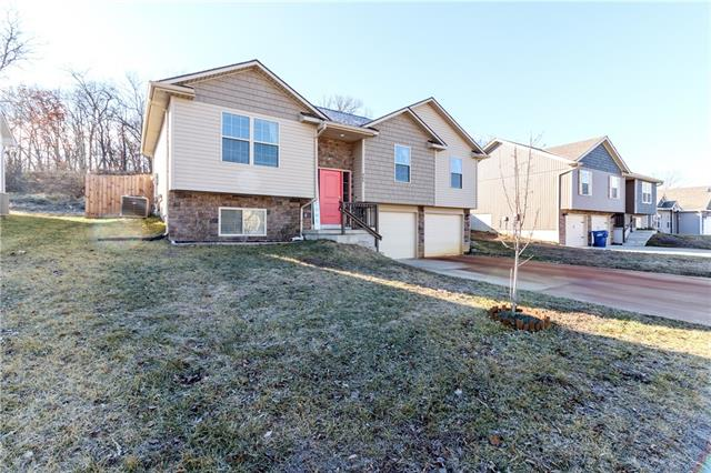 405 Division Street Property Photo - Knob Noster, MO real estate listing