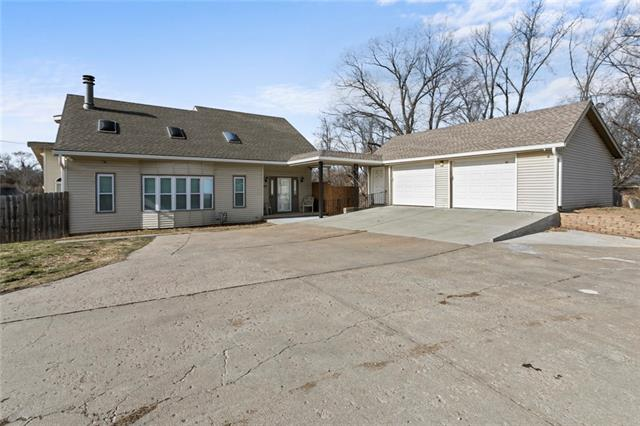 8208 SYCAMORE Avenue Property Photo - Kansas City, MO real estate listing