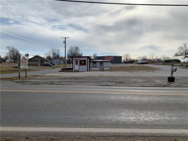 308 E 32 Highway Property Photo