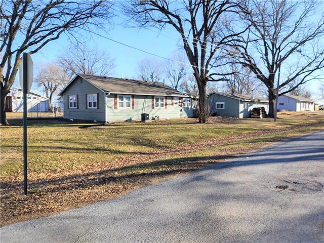 414 E 8th Street Property Photo - Wellsville, KS real estate listing