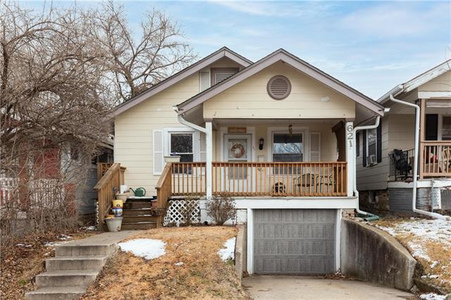 621 Bennington Avenue Property Photo - Kansas City, MO real estate listing