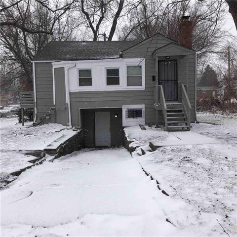 2217 E 72nd Street Property Photo - Kansas City, MO real estate listing