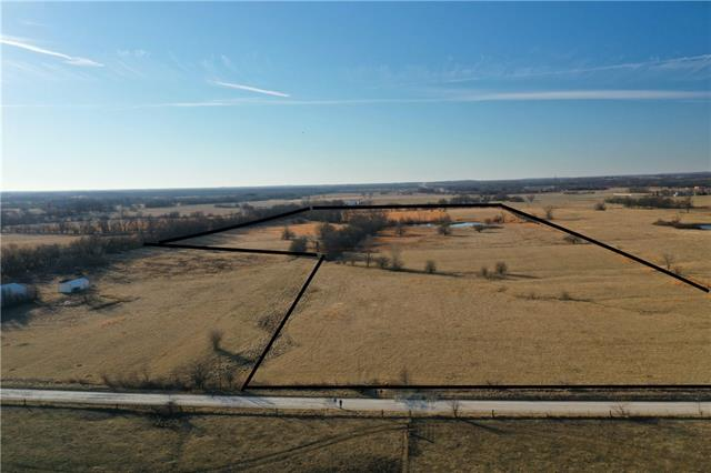 321st Street Property Photo - Harrisonville, MO real estate listing