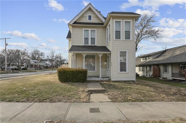 300 N Pleasant Street Property Photo - Independence, MO real estate listing