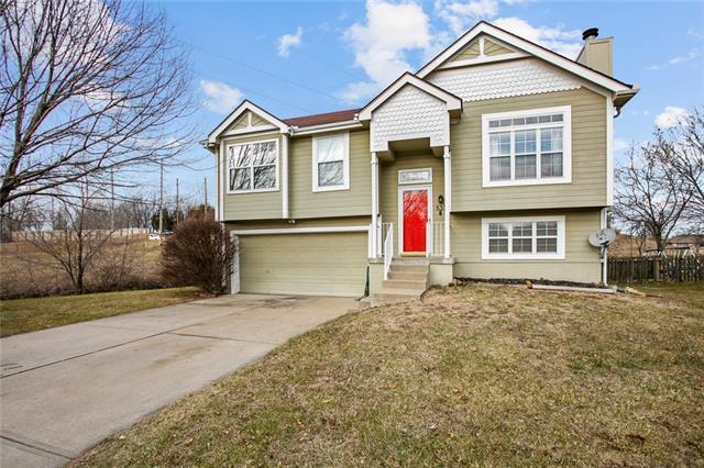 533 Steeple Lane Property Photo - Blue Springs, MO real estate listing