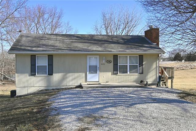 5050 Sioux Drive Property Photo - Lathrop, MO real estate listing