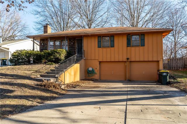 107 Continental Drive Property Photo - Lansing, KS real estate listing