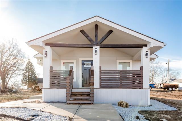2905 Farrow Avenue Property Photo - Kansas City, KS real estate listing