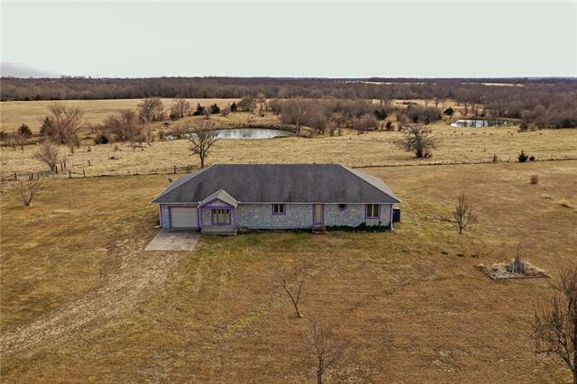 39102 Spring Valley Road Property Photo - Lacygne, KS real estate listing